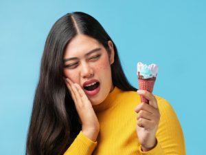 răng nhạy cảm ê buốt