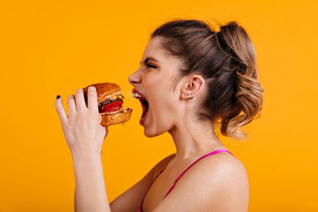 ăn thức ăn nhanh